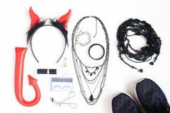 Fotografía plana con los complementos de Halloween, cosmeti de la endecha Imagen de archivo
