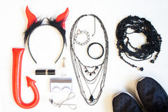Fotografía plana con los complementos de Halloween, cosmeti de la endecha Imágenes de archivo libres de regalías