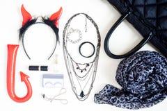 Fotografía plana con los complementos de Halloween, cosmeti de la endecha Fotos de archivo