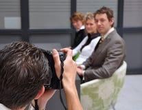 Fotograf bei der Arbeit lizenzfreie stockfotos