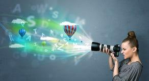 Fotograf med kameran och abstrakt imaginärt Fotografering för Bildbyråer