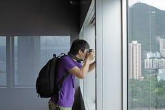 Fotograf nimmt ein Foto der Innen Landschaft Lizenzfreie Stockfotografie