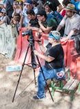 Fotograf nimmt Video der Aktion am Jahrbuchfestival ` Jerusalem-Ritter ` lizenzfreie stockfotos