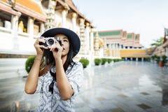 Fotograf podróży wędrówki hobby odtwarzania Zwiedzający pojęcie Fotografia Stock