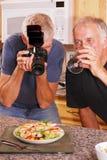 Fotograf und Freund Stockfotografie