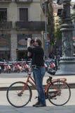 Fotografa cyklista w Barcelona Obraz Royalty Free
