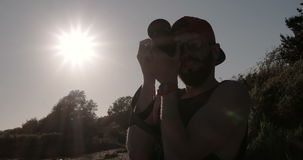 Fotografando al tramonto archivi video