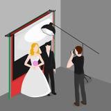 Fotografare isometrico piano delle persone appena sposate Sposa e sposo nello studio della foto Occupazione del fotografo di nozz Fotografie Stock