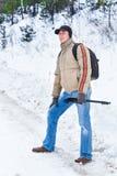 Fotografen i vinterskogen Arkivfoton