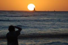 fotografen seglar den set sunen Royaltyfri Fotografi