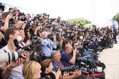 Fotografer deltar i juryphotocallen arkivfoton