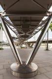fotograferade den isolerade svarta bron för bakgrund fotografistrukturen under white arkivfoton