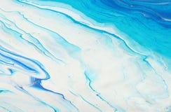 Fotografi av abstrakt marbleized effektbakgrund Bl?a och vita id?rika f?rger H?rlig m?larf?rg arkivbilder
