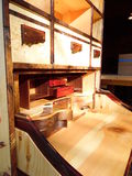 Fotografi av den Handcrafted träsekreteraren Desk Close View Arkivfoton