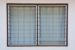 Il vetro tailandese di stile acceca la finestra Immagine Stock
