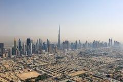 Fotografi Dubai horisontBurj Khalifa Downtown för flyg- sikt royaltyfri fotografi