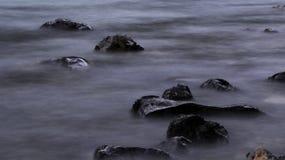 Fotografi för exponering för lång exponeringsflodliten vik långt fotografering för bildbyråer