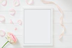 Fotografi för materiel för rammodell blom- utformat Arkivbild
