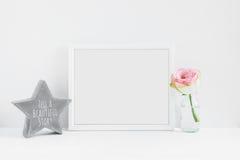 Fotografi för materiel för rammodell blom- utformat Royaltyfria Foton
