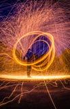 Fotografi för stålull på natten, lång exponeringsfotografiworksh arkivbild