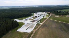 Fotografia aérea do complexo moderno dos rebanhos animais com zangão imagem de stock