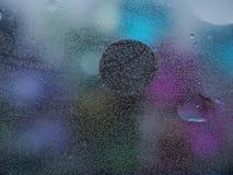 Fotografia abstrata Círculos Multi-colored Gota do petróleo fotos de stock
