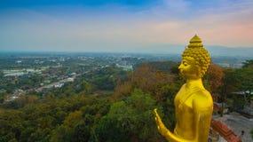 fotografia aerea il grande Buddha dorato in Chiang Rai Fotografie Stock Libere da Diritti