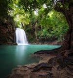 Fotografia all'aperto della Tailandia della cascata nella foresta della giungla della pioggia Fotografie Stock Libere da Diritti