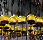 Fotografia amarelada do fundo da cor das campainhas Imagem de Stock