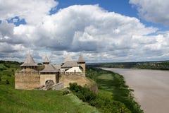 Fotografia antyczni Khotyn fortess, kasztel w Ukraina przy dnia czasem w lecie fotografia stock