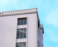 Fotografia arquitetónica moderna do estoque da peça do ` s da construção Foto de Stock Royalty Free