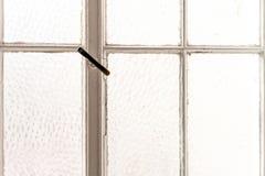 Fotografia biel obramiający okno obraz stock
