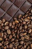 Fotografia czekoladowe i kawowe fasole textured tło Zdjęcie Royalty Free