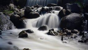 Fotografia da velocidade lenta da cachoeira imagens de stock