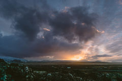 Fotografia del paesaggio di stordimento Islanda accampandosi a Vulcano Kerid con un tramonto sbalorditivo Immagine Stock Libera da Diritti