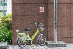 Fotografia della via nessun parcheggio della bicicletta fotografie stock libere da diritti