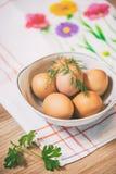 Fotografia do alimento, estilo, ovos, ingredientes crus - farinha, ovos, manteiga, açúcar, Imagens de Stock