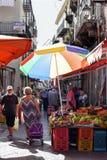 Fotografia karmowy uliczny rynek Vucciria w Sicily, Włochy - 10 09 2017 Obrazy Stock