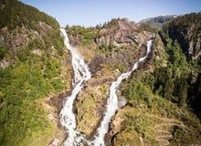 Fotografia Latefossen - błyskawiczna siklawa w Norwegia Widok z lotu ptaka, lato czas Zdjęcia Stock
