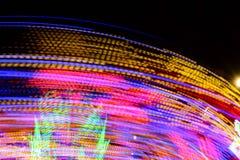 Fotografia longa da exposição Fotografia abstrata das luzes do carrossel e dos movimentos, Reino Unido foto de stock