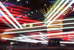 Fotografia longa da exposição Luzes do carrossel e movimentos, Reino Unido imagens de stock