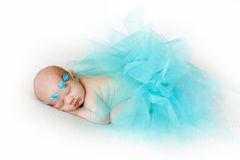 Fotografia nowonarodzony dziecko fryzował up spać na koc Zdjęcie Stock
