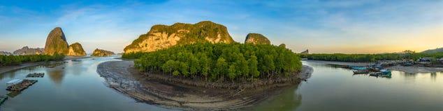 fotografia panoramica aerea sopra l'arcipelago di Samed Nangshe a Baanhinrom Phang Nga immagine stock