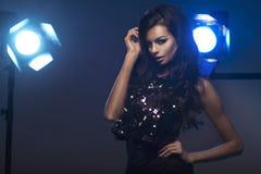 Fotografia piękna młoda brunetki dziewczyna Zdjęcia Stock