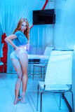 Fotografia seksowny śliczny caucasian kobiety withflour na szczupłym ciele obraz stock