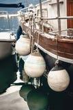 Fotografia strona statek z dużym bielem pociesza Zdjęcia Stock