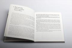 Fotografibok av Nick Yapp, kapitel 4 som är svartvitt royaltyfria bilder