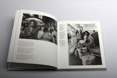 Fotografiboken av Nick Yapp, invandrare ankommer i London och Southampton Royaltyfri Bild