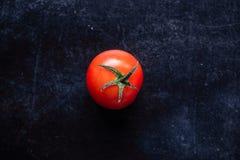 Fotografie des biologischen Lebensmittels - Tomaten, Minze und rote rote Rübe Lizenzfreie Stockfotos