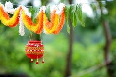 Fotografie des Dahis HANDI auf gokulashtami Festival in Indien, das Lord Shri Krishna-` s Geburtstag ist lizenzfreie stockbilder